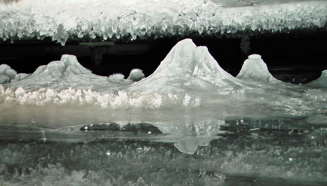 Ice in the underground water tank, 2015-02-25
